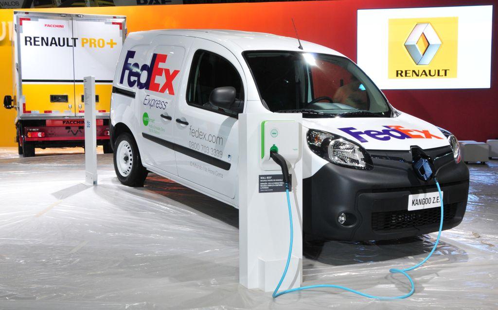 Renault Mostra Sua Linha De Comerciais Leves Na Fenatran E Kangoo Eletrico